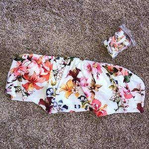 White flower bikini top